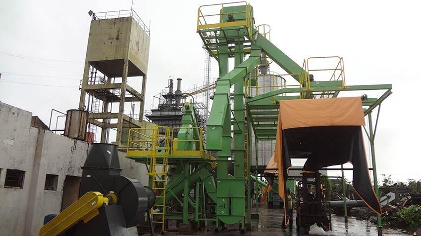 A melhor alternativa para elevação de materiais em pó, particulados e biomassa no sentido vertical, para elevações com mais de 5 metros.